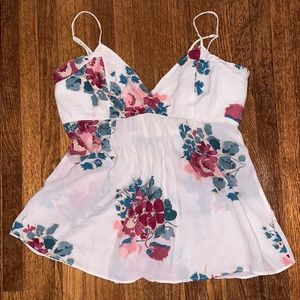 American Eagle flowy flowered tank